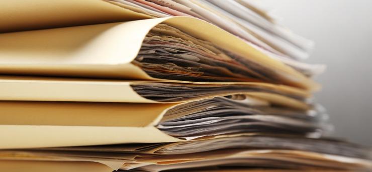 Przechowywanie firmowych dokumentów przez notariusza