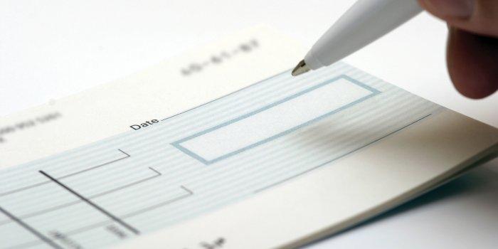 Usługi notarialne a sporządzanie protestów weksli i czeków.