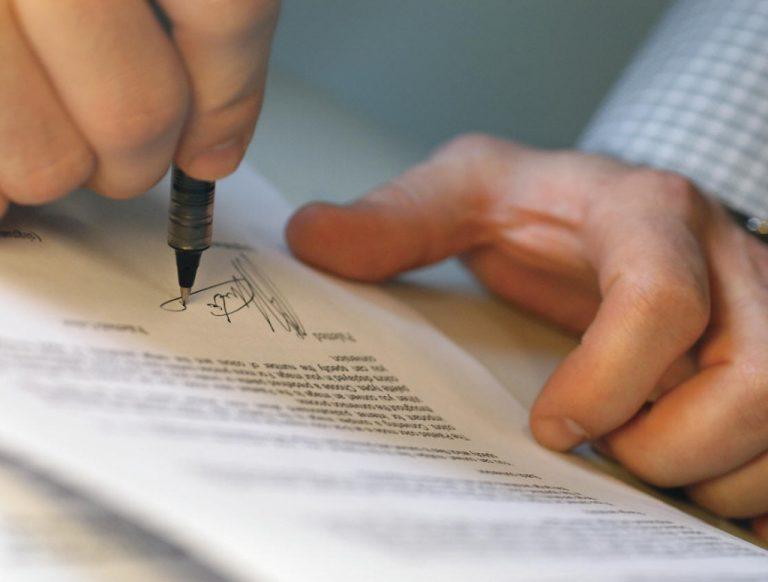 Notariusz a poświadczone wzory podpisów